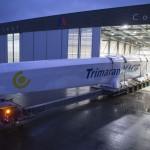 Transport de la coque Centrale du Trimaran Macif 100 entre le chantier Multiplast a Vannes et le chantier CDK a Lorient - Le 12/12/2014
