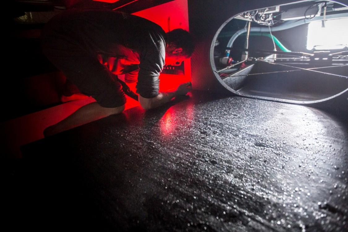 2014-15, Abu Dhabi Ocean Racing, Leg5, OBR, VOR, Volvo Ocean Race, onboard, Luke Parkinson, endoscope, down below