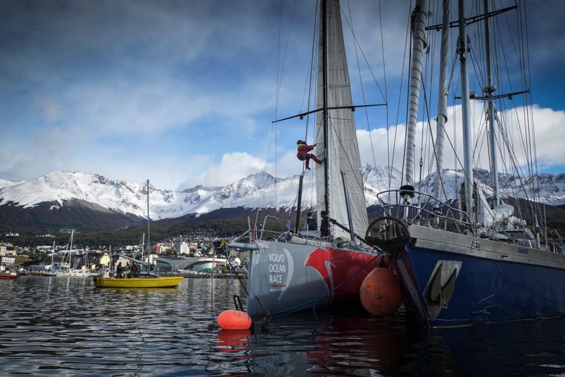 2014-15, Dongfeng Race Team, Leg5, OBR, VOR, Volvo Ocean Race, onboard, mast, damage, ushuaia, mountains